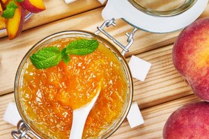 How to Make Peach Jelly Without Pectin