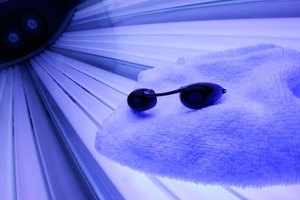 How to Hide Acne With Tanning