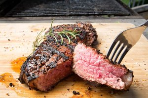 How to Cook a Juicy Tender Boneless Strip Steak