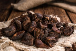 Herbs to Avoid With Hyperthyroidism