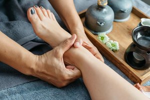 What Are the Benefits of Leg Massage?