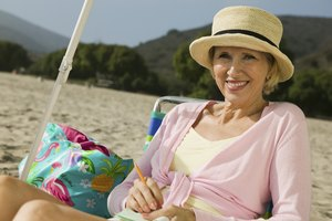 How to Protect Skin in the Sun Without Sunscreen