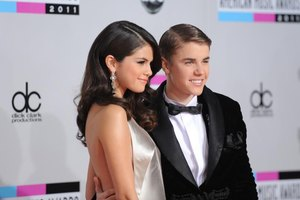 Did Selena Gomez Publicly Shame Justin Bieber or Give S…