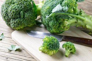 The Calories in Broccoli With Brown Sauce