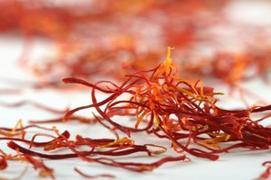 Saffron Threads Vs. Powder