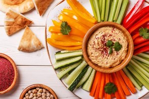 Is Hummus High in Carbohydrates?