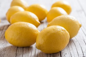 how to get rid of freckles with lemon juice