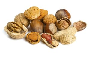 The Best Nuts for a Low-Carb Diet