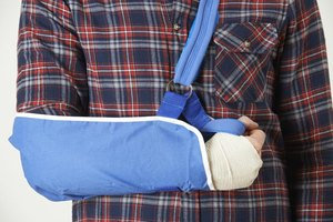 Types of Physical Therapy for a Broken Arm