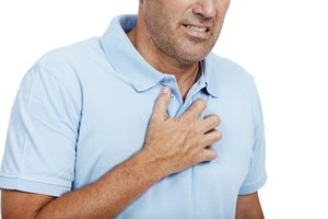 3 Ways to Tell the Difference Between Heartburn and a H…
