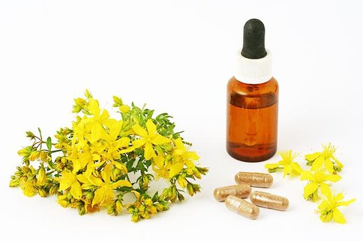the benefits and negative effects of prozac and st johns wort We know a fair amount about the short-term effects of st john's wort on depression but less about its long-term effects what do we know about the effectiveness of st john's wort for depression st john's wort isn't consistently effective for depression do not use it to replace.