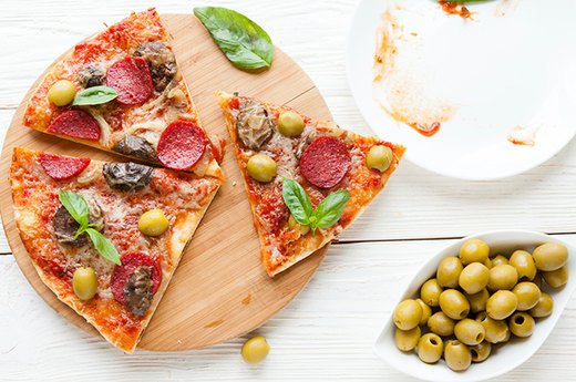 13. PIZZA: Thin Crust Instead of Regular Crust
