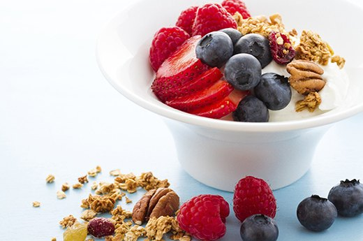 8. Greek Yogurt With Nuts and Berries