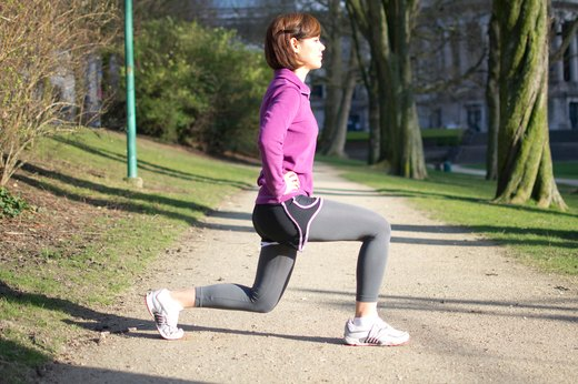 6. Round-the-World Lunges