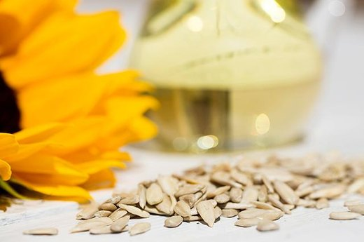 14. Sunflower Seeds (1 Ounce): Approximately 3.07 Grams of Good Fat