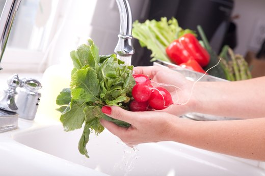 MISTAKE #9: Not Washing Your Hands Before Washing Produce