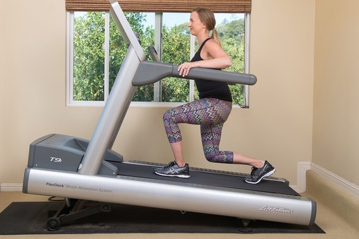 2. Incline Lunges