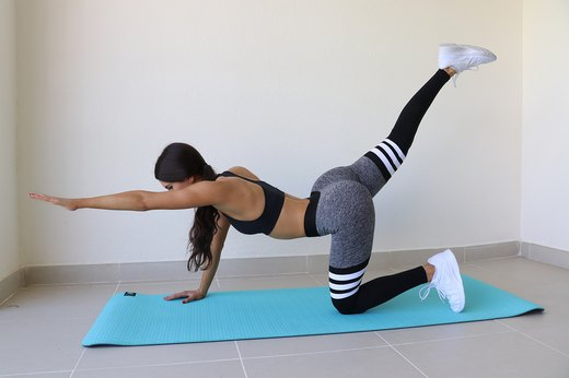 Jen Selter's 8 On-the-Go Moves for Your Best Booty Ever