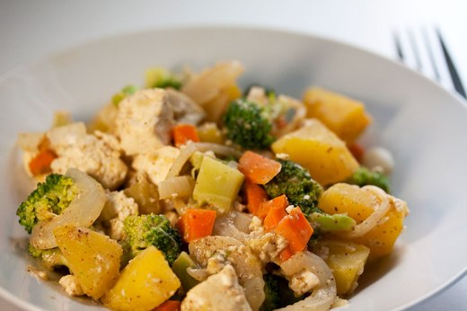 6. Acorn Squash With Broccoli and Tofu