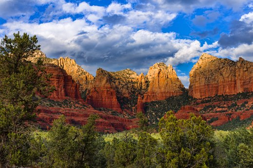 7. For a Dazzling Panorama: Bear Mountain Trail, Sedona, Arizona