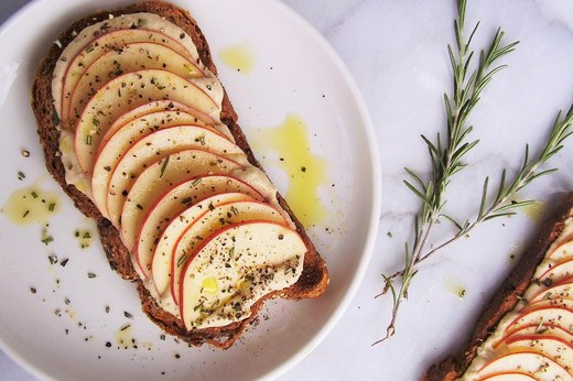 7. Sweet and Savory Apple-Hummus Toast