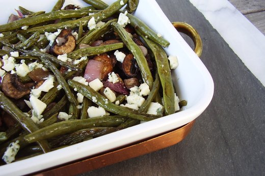 4. Roasted Green Beans, Mushrooms and Onion