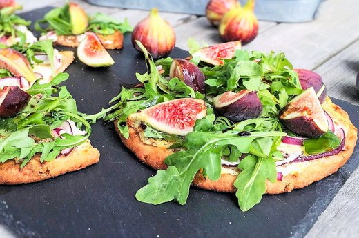 3. Easy Arugula and Fig Pizza