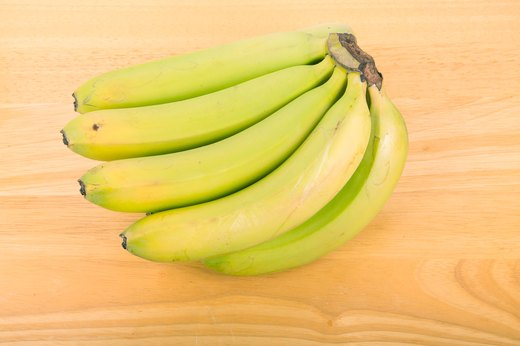 2. Enjoy slightly unripe bananas.