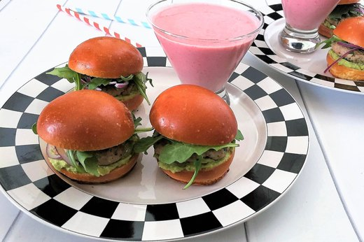 7. Brioche Turkey Sliders With Pomegranate Smoothie