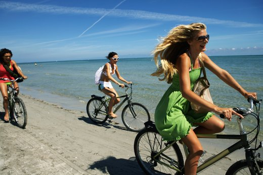 15 Ways to Stay Healthy on Vacation