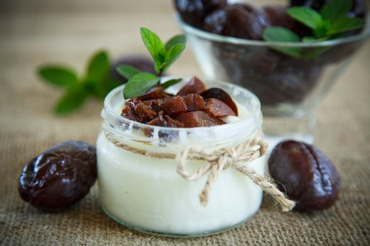 6. Nonfat Plain Greek Yogurt Powered with Plums