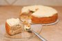 How to Moisten a Cake After Baking