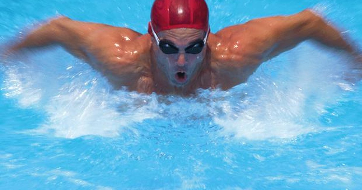 how to keep your swim goggles from fogging up