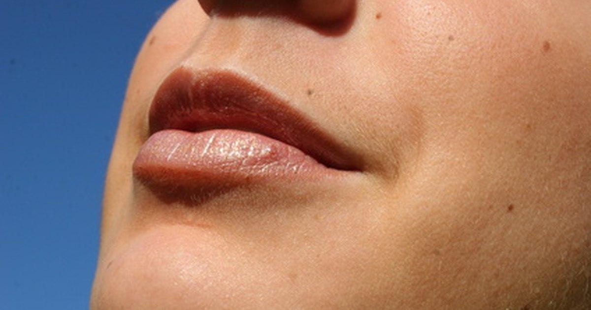 Causes of womens facial hair
