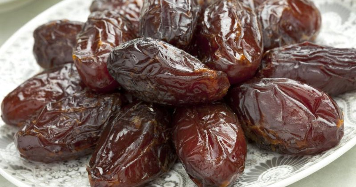or 3 medjool dates