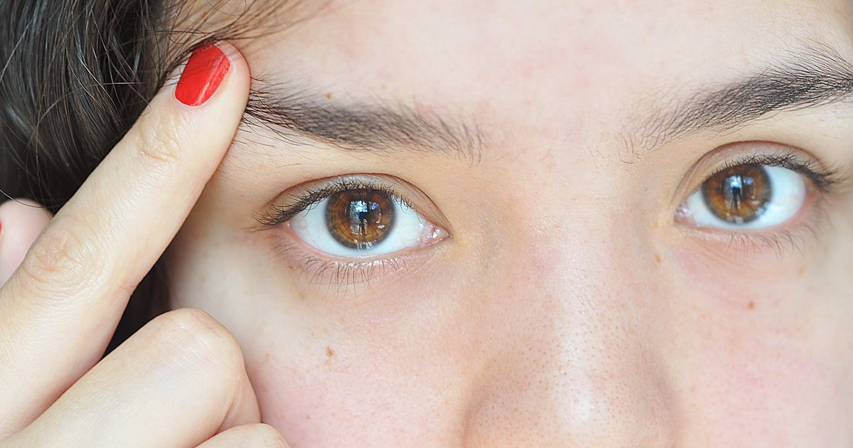 eyebrow hair loss what to do about your thinning eyebrows how to prevent eyebrow hair from pointing up livestrong com
