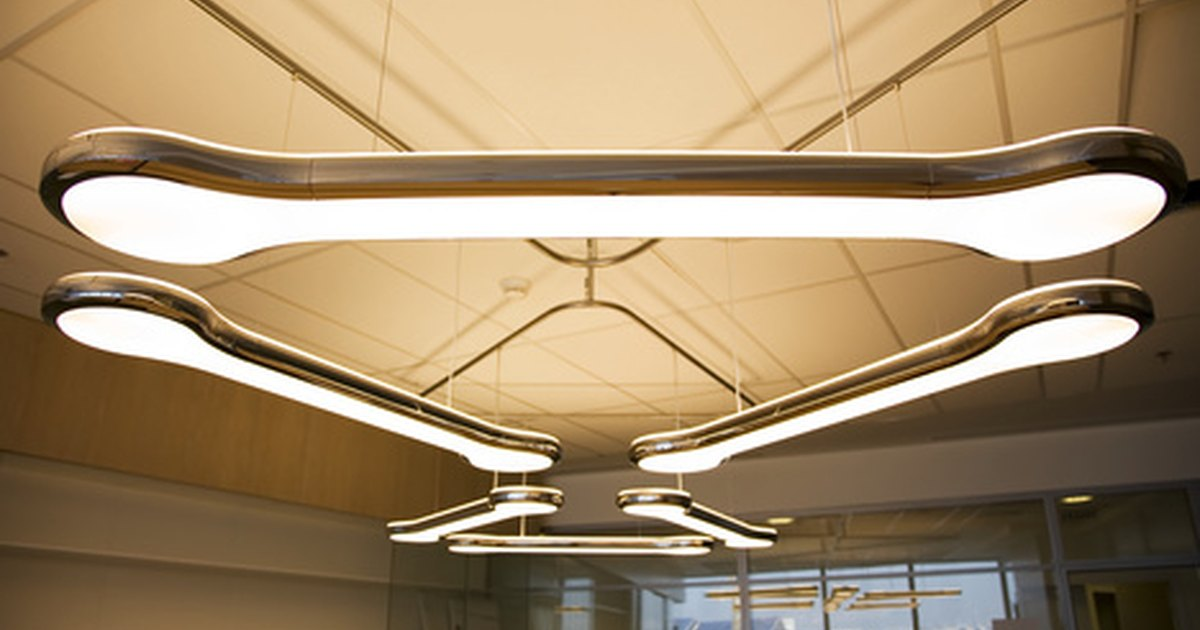 Charmant Overhead Office Lighting. Eye Strain Due To Fluorescent Lights Livestrong  Com