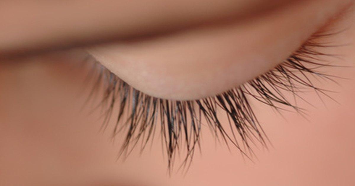 Natural Ways To Make Eyelashes Grow Livestrong