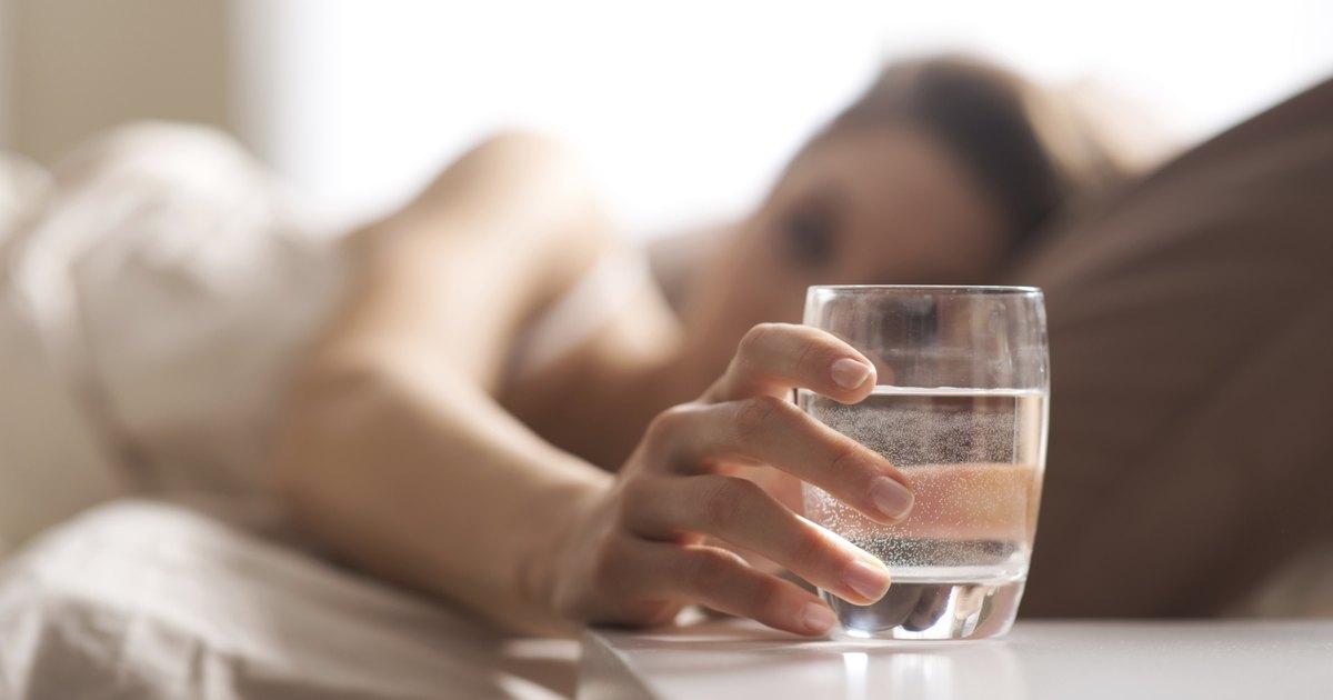 Картинки по запросу manfaat minum air hangat setiap hari