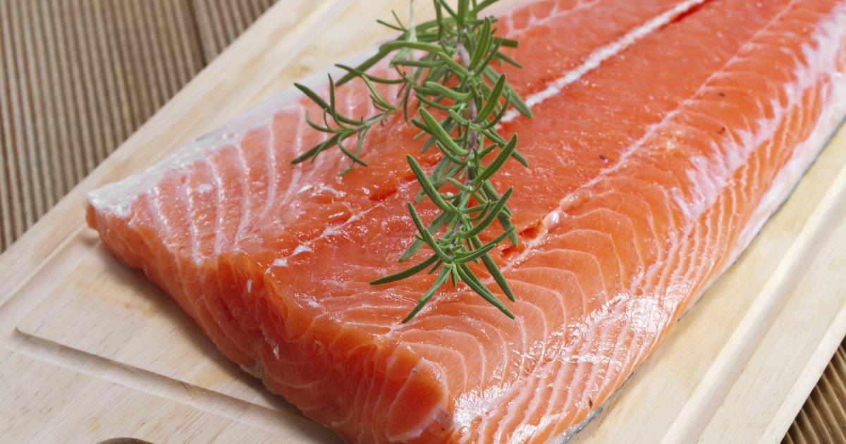 Salmon oil vs fish oil livestrong com for Salmon oil vs fish oil