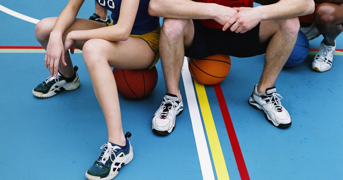 compare and contrast basketball and football essay The purpose of this essay is to compare and contrast the differences and similarities between these two sports there are three aspects of these two sports: athletes , popularity , and equipment  the most noticeable difference between these two kinds of sports is their requirement of players.