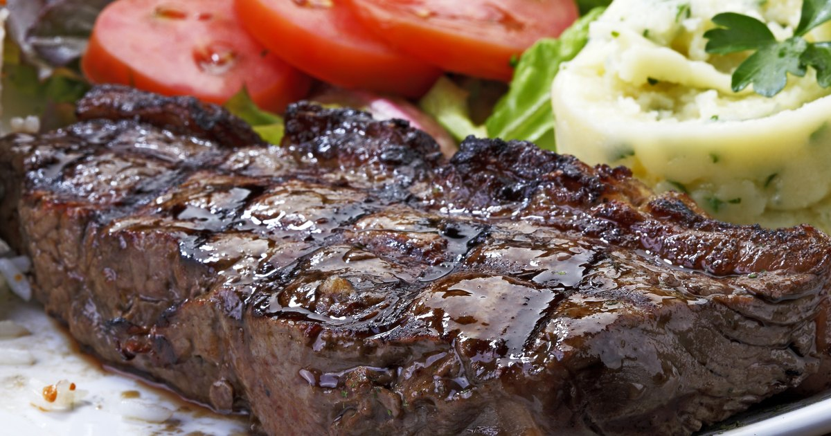 How to Cook Rib Eye Steaks on the Stove Top