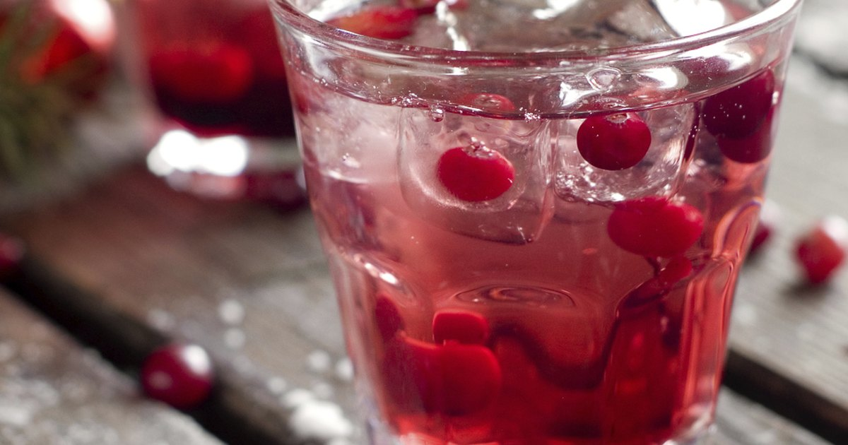 Ocean Spray Cranberry Juice Cocktail Perspective: front