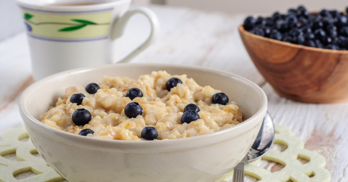 Oatmeal & Full Liquid Diet | LIVESTRONG.COM