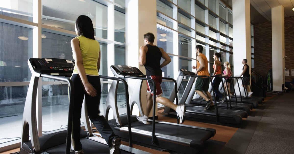 Running in Place Vs. Treadmill | LIVESTRONG.COM