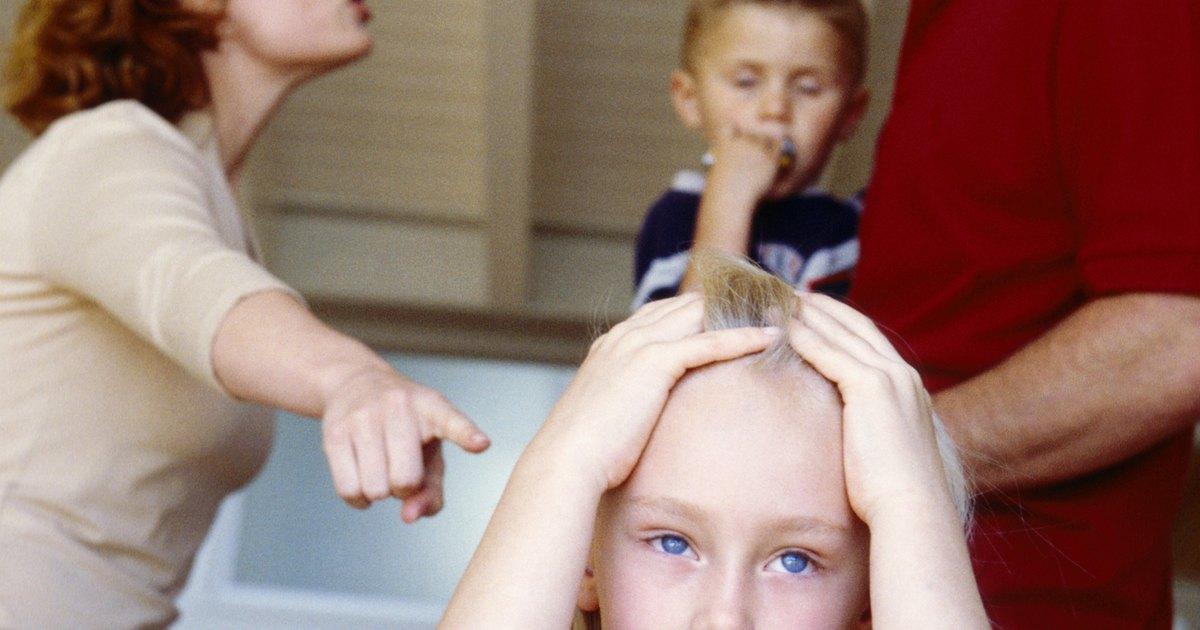 Broken Families & Child Behavior | LIVESTRONG.COM