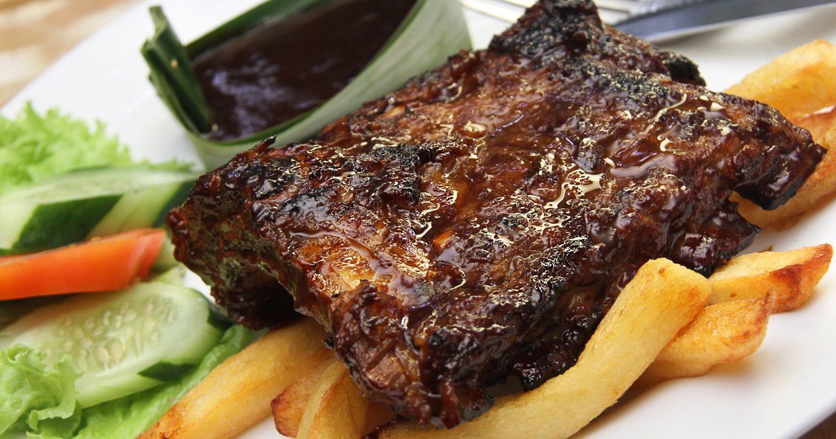 How to Cook Pork Steaks in the Oven With BBQ Sauce ...