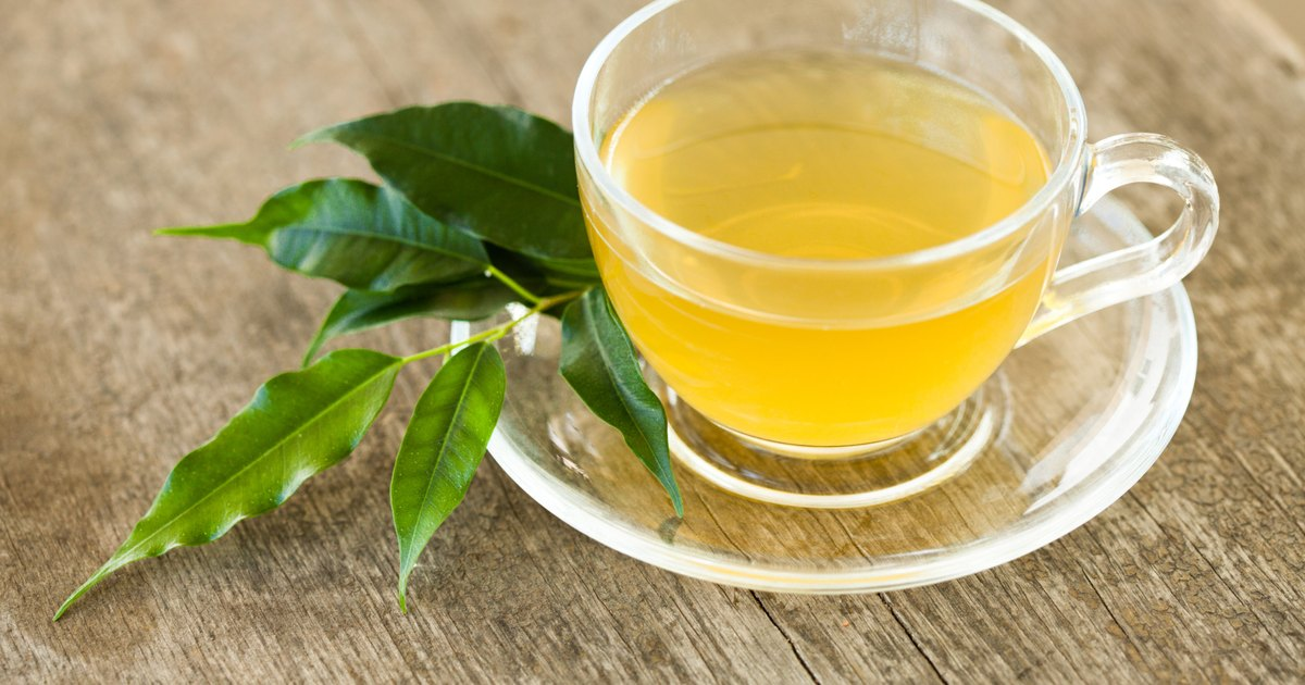 How to Drink Green Tea and Lemon Juice Without Sugar to Lose Weight