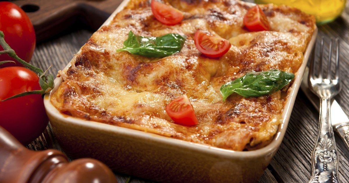 How to Oven Bake Lasagna | LIVESTRONG.COM
