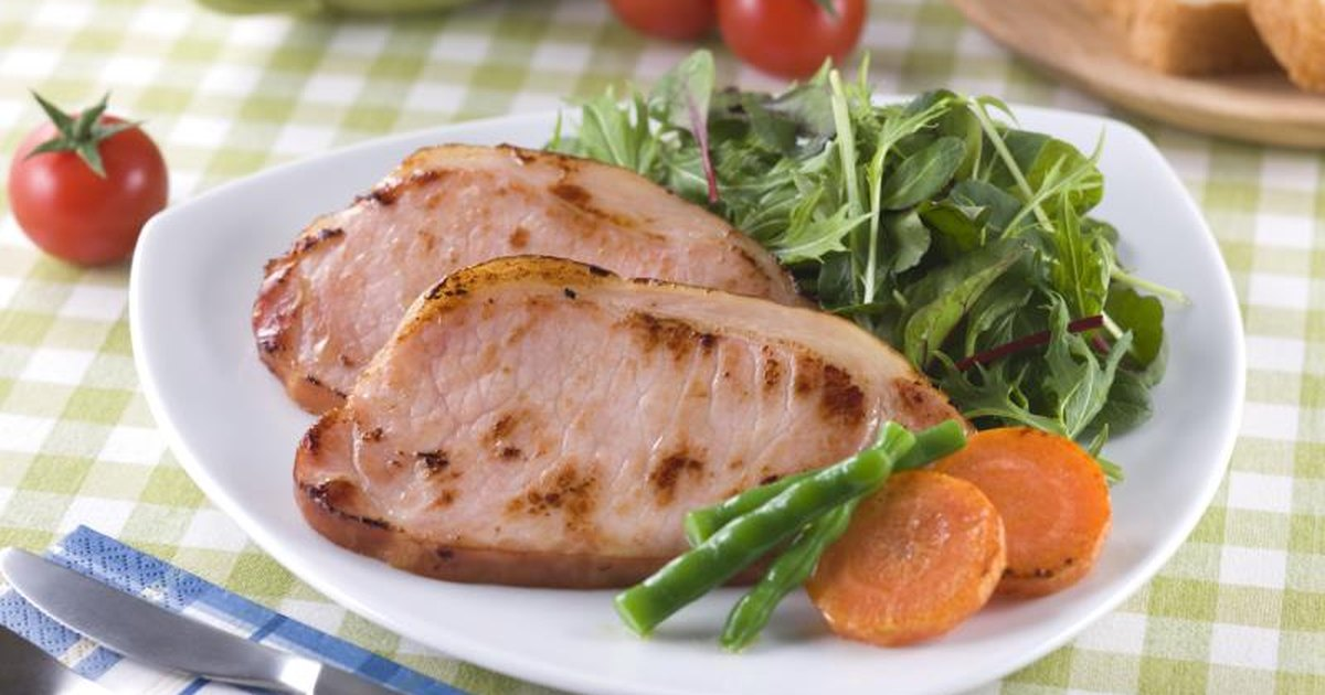 How to Cook an Uncooked Ham Steak in a Pan | LIVESTRONG.COM